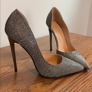 Shoes - Point toe heels